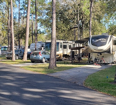 Florida RV Campground with Paved and Shaded Campsites
